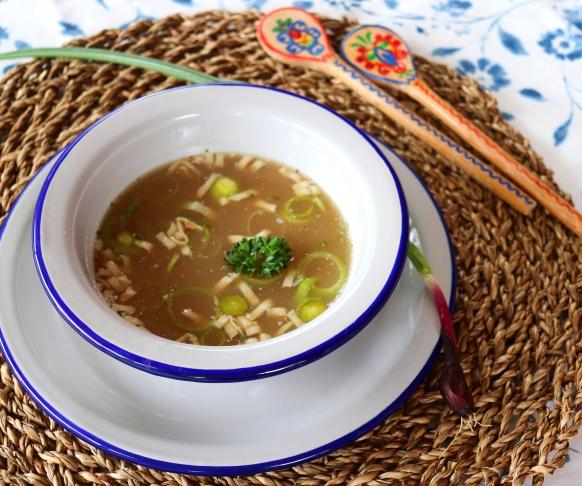 Hovězí polévka s nudlemi, 7 kusů