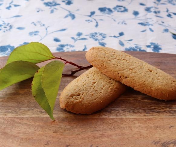 Savoiardo - dlouhé piškoty s meruňkovou příchutí, 1 kus