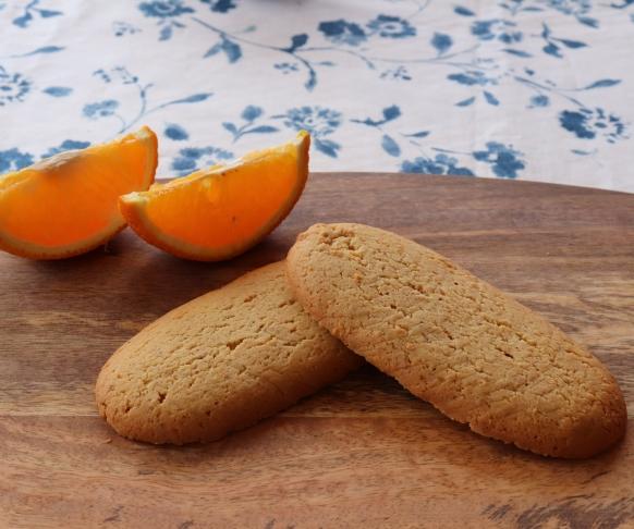 Savoiardo - dlouhé piškoty s pomerančovou příchutí, 1 kus