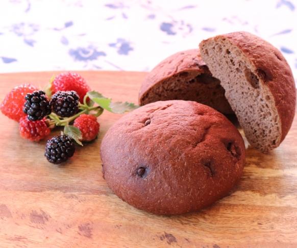 Sendvič - houska s příchutí kakaa, 1 kus